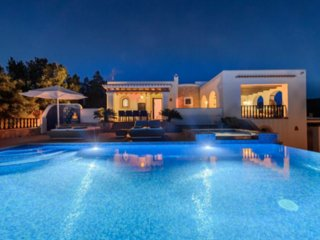 Catalunya Casas: Villa Azalea in Ibiza with amazing 180° views. Up to 8 guests!