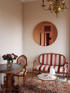 La Suite Rose du Château de Bonneau, le salon