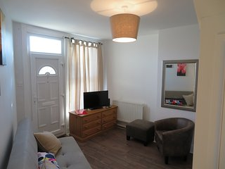 luxury 2 bed house with garden horfield free parking
