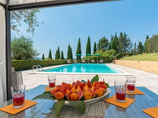 Villa private pool, tennis, relaxing, luxury rural, in Italy, Tuscany, Siena