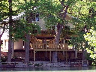 New Listing! Huge duplex on the Guadalupe River, sleeps 16!!