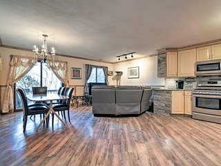 NEW! Luxury Townhome Mins to Mountain Creek Skiing
