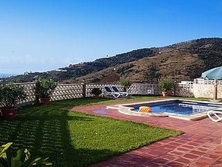 Frigiliana Villa Sleeps 6 with Pool - 5049884