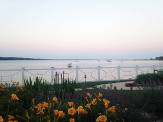 Waterfront condo with spectacular view for August in Hampton Bays