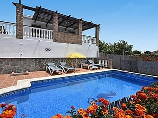2 bedroom Villa with Pool and WiFi - 5049890