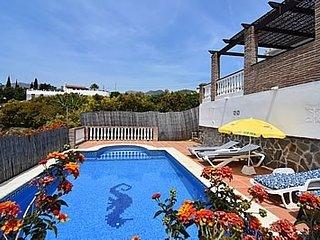 Nerja Villa Sleeps 4 with Pool and WiFi - 5049890