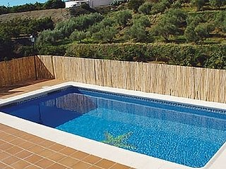 Nerja Villa Sleeps 2 with Pool - 5000453