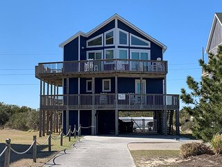 Beautiful Semi-Ocean Front House across the street from the beach in South Nags