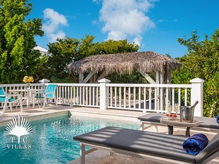 Nutmeg Cottage // Couple's Paradise // romantic getaway at Grace Bay Beach