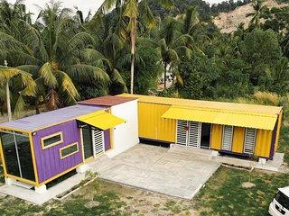 Purple Cube,Lumut Cube Homestay Kontena