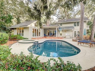 Luxe Home w/ Private Pool, Hot Tub, Fire Pit -- Access Resort Beaches & Golf