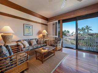 Modern Poipu Splendor w/Lanai, Kitchen, Flat Screen, DVD, Ceiling Fans–Kiahuna