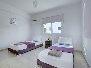 Suninn Holiday Rentals Complex 1, Flat 03