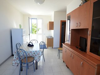 Appartamento 4 posti vicino spiaggia con parcheggio a San Foca- PT43