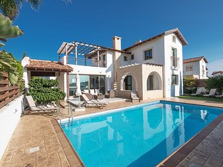 Gorgeous Villa Offering Luxury and Comfort