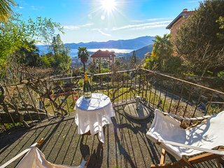 Villa Rosellina well-restored period villa with garden and wonderful lake view
