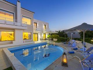 4 bedroom Villa in Skouloufia, Crete, Greece - 5757158