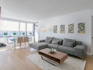 27N-LUXURY 2BR IN UWS-PVT BALCONY & POOL