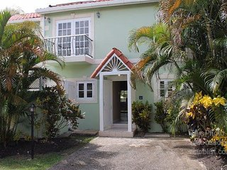 Palm View -Beautiful West Coast 3bed/3.5br townhouse minutes walk from the beach