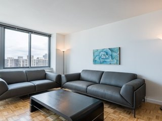 28F-UWS 2BD-2BA-PVT TERRACE-GYM-DOORMAN