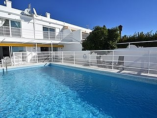 Nerja Villa Sleeps 7 with Pool and Air Con - 5251945