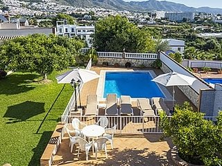 Nerja Villa Sleeps 6 with Pool and Air Con - 5080299