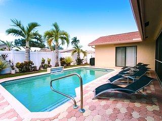 Spacious 4BR Home Heated Pool near Beach & Casino