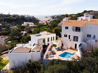 3 Bed House With Private Pool Walking Distance To Carvoeiro Centre & The Beach