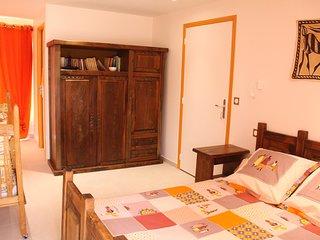 Chambre double + lit bébé