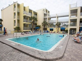 2 x POOLSIDE 1BR APTS FOR 12! ON THE BEACH, TENNIS, HOT-TUB, GRILL, GYM 2