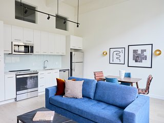 Sonder   Museum District   Bright 1BR + Rooftop