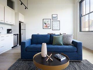 Sonder   Museum District   Vibrant 1BR + Lounge