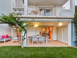Apartment Bamboo -  Premium with Private Garden