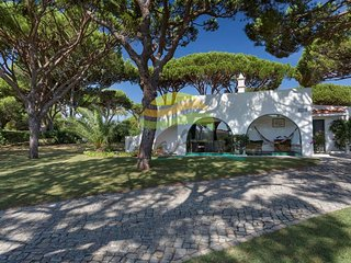 Rustic holiday villa in Vale do Lobo