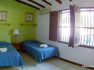 Banda Bou Room