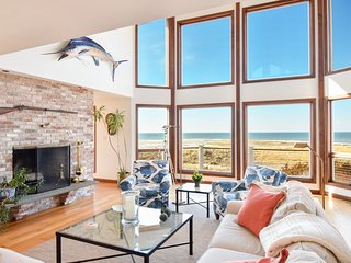 #525 : Private Beach - Sweeping views of Cape Cod bay, secluded beachfront home!