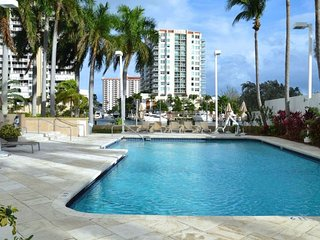 LOVELY WATER VIEW 1BR SUITE, 5 MINS TO THE BEACH, MALL 3