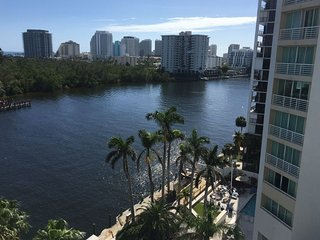 GREAT 1BR FOR 4, STEPS TO THE BEACH, POOL 2