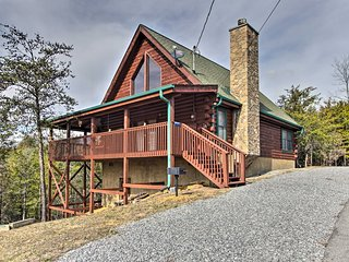 Sevierville Cabin w/ Deck - Near Douglas Lake!