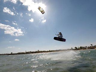 Kitesurfing Hurghada including accommodation in Aladdin Beach Resort!