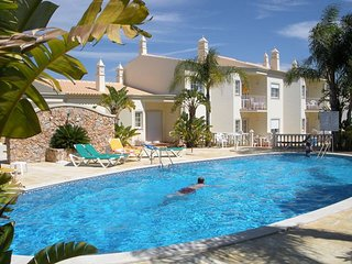 2 bedroom Apartment with Pool, Air Con and WiFi - 5721072