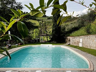Monteluco Villa Sleeps 6 with Pool Air Con and WiFi - 5228803