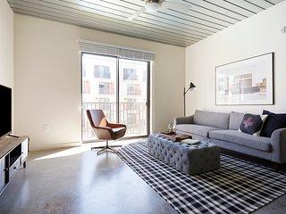 Sonder | Mid Main Lofts | Restful 1BR + Balcony