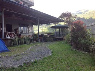 Banaue Pink Eco Hostel - Dormitory room #1  with 3 bunk beds