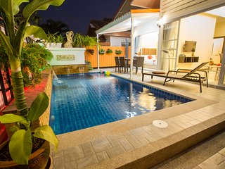 Grand Condo Montra Pool Villa 300meter to beach