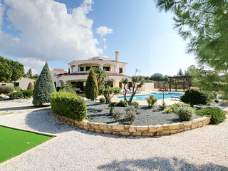 VILLA MAJOR, A SUPER 4 BED DETACHED VILLA WITH PRIVATE POOL & SUPER SEA VIEWS!!