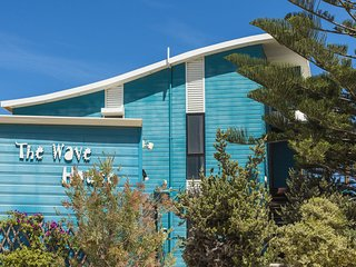 Wave House - Beach front Lancelin
