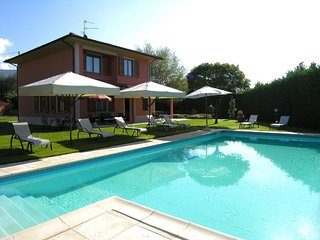 Montemarciano Villa Sleeps 10 with Pool and WiFi - 5765006