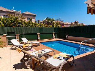 Meloneras Villa Sleeps 8 with Pool Air Con and WiFi - 5334556