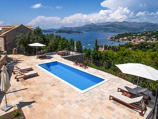 Lopud Villa Sleeps 14 with Pool and Air Con - 5765908